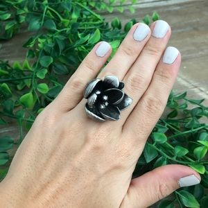 FOSSIL Tarnished Rhinestone Flower Statement Ring